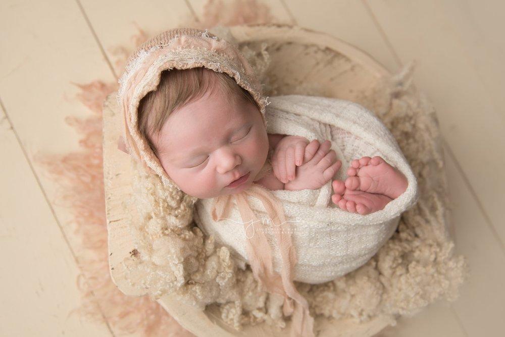 newbornphotographer-columbusohio-jacquelinemariephotography_0033.jpg