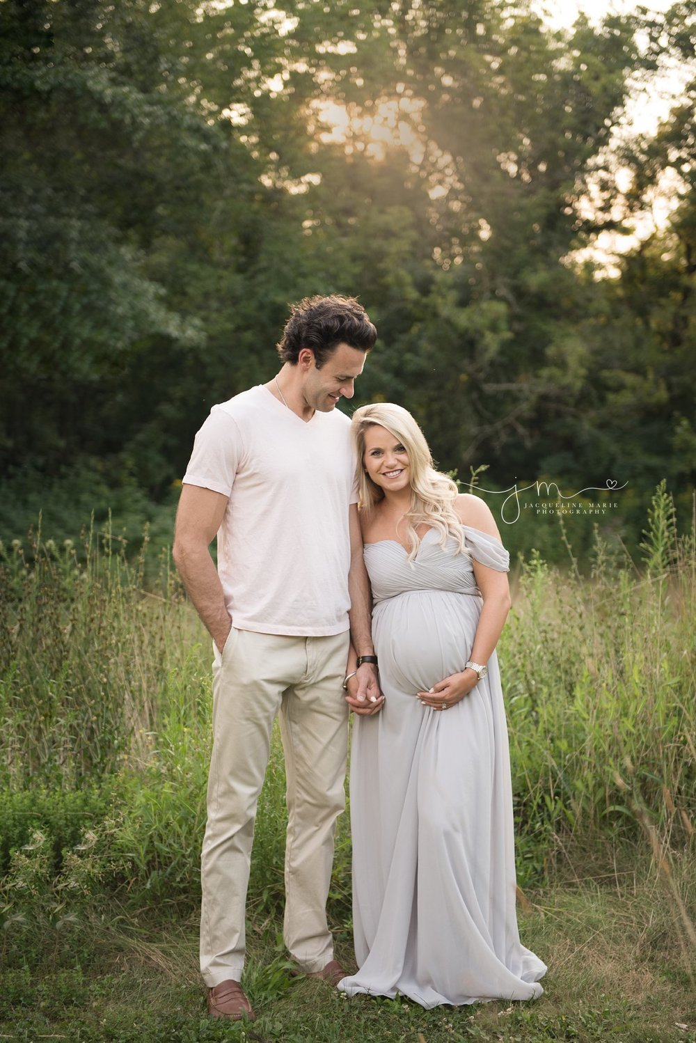 golden hour sunset maternity session in columbus ohio
