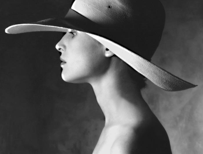 12. Carolyn hat1.jpg