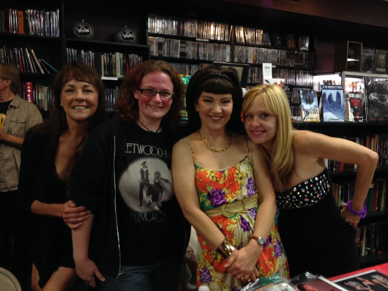 Got to see Brinke and Linnea, and meet Michelle Bauer, yesterday at Dark Delicacies in Burbank! Yay!