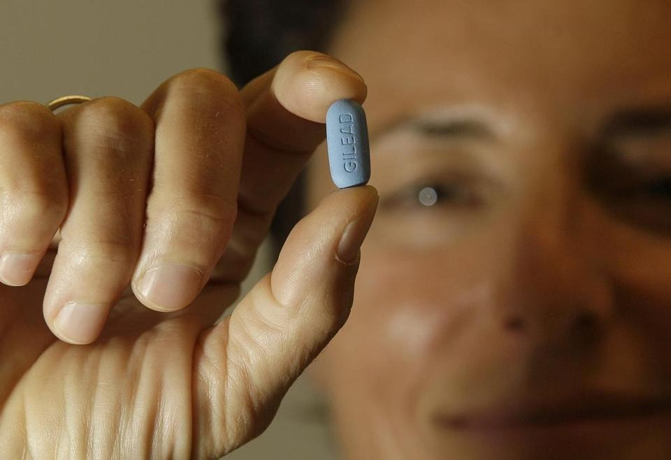 "geardrops :      bigfatfeminist :      fromtheeyesofastargazer :      unholy-majesty :      oxblood :      fattyforever :      madehimsaycomfychairs :      skyremains :      nezua :      queennubian :      boston :       FDA approves pill to prevent HIV infections      The drug, Truvada, is the first medication intended to  prevent HIV infections  in people having sex with infected individuals.    (JEFF CHIU/AP)       IT JUST GOT REAL     What good news for the world.     Remember when this made the news weeks ago and US news outlets didn't find it worth reporting?     BLESS THIS     This should have like, 1,000% more notes.   This is amazing.     Are you telling me that those Ryan Gosling cupcakes have 45,000 notes and this post hasn't even reached 5,000?     Relevant.     And it was on this day that this appeared on my dash, and I said ""Damn, finally some good news!"" and reblogged the hell out of it.      !!      Official FDA Press Release , aka not behind a paywall."