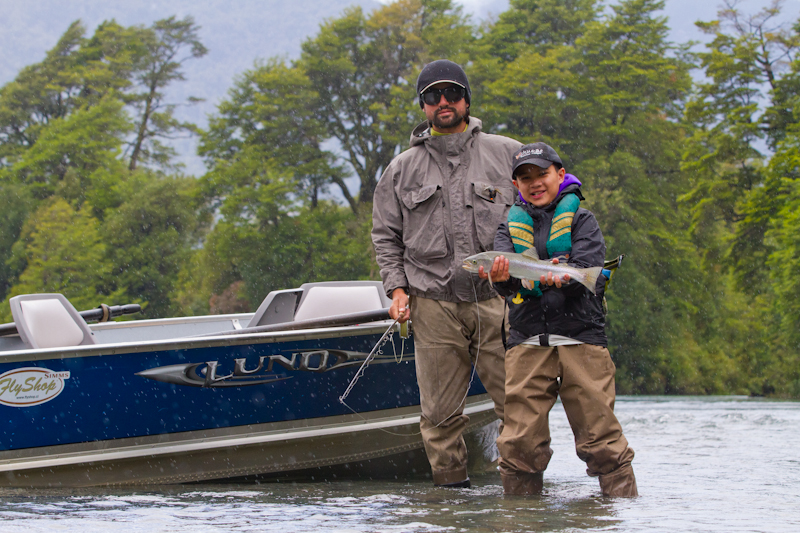 Greger and guide Max in the last of the rain on the Yelcho River.