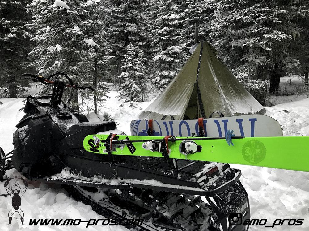 75_Ski_Snowbike_Timbersled Rack_Tsaina Rack_CFR rack_Cheetah Factory Racing_gas Rack_Gear_Gun Rack_LinQ Snowboard Ski_Snowboard rack_snowboard_Snowboarding_snowmobile bag_Snowmobile_timbersled bag_Ti.jpg
