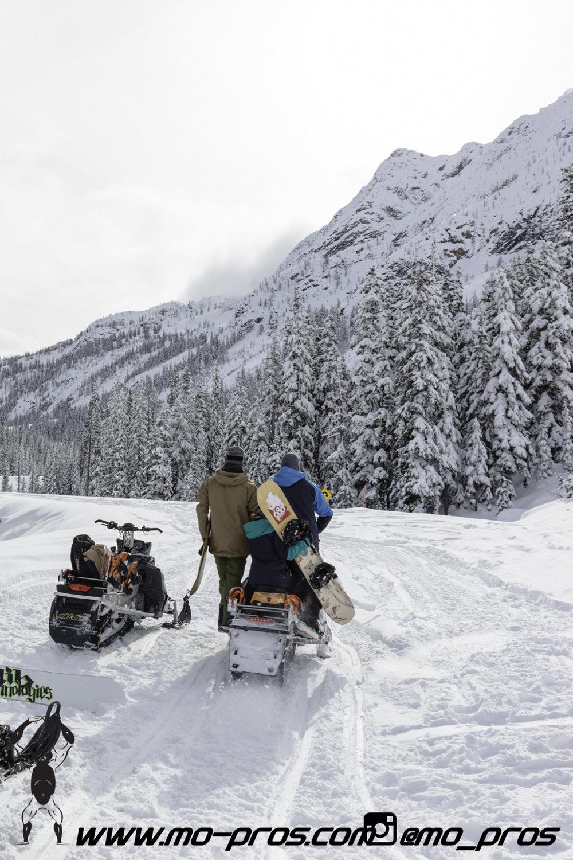57_snowmobile bag_Snowmobile_timbersled bag_gas Rack_Gear_Gun Rack_LinQ Snowboard Ski_Ski_Snowbike_Timbersled Rack_Tsaina Rack_CFR rack_Cheetah Factory Racing_Snowboard rack_snowboard_Snowboarding_Ti.jpg
