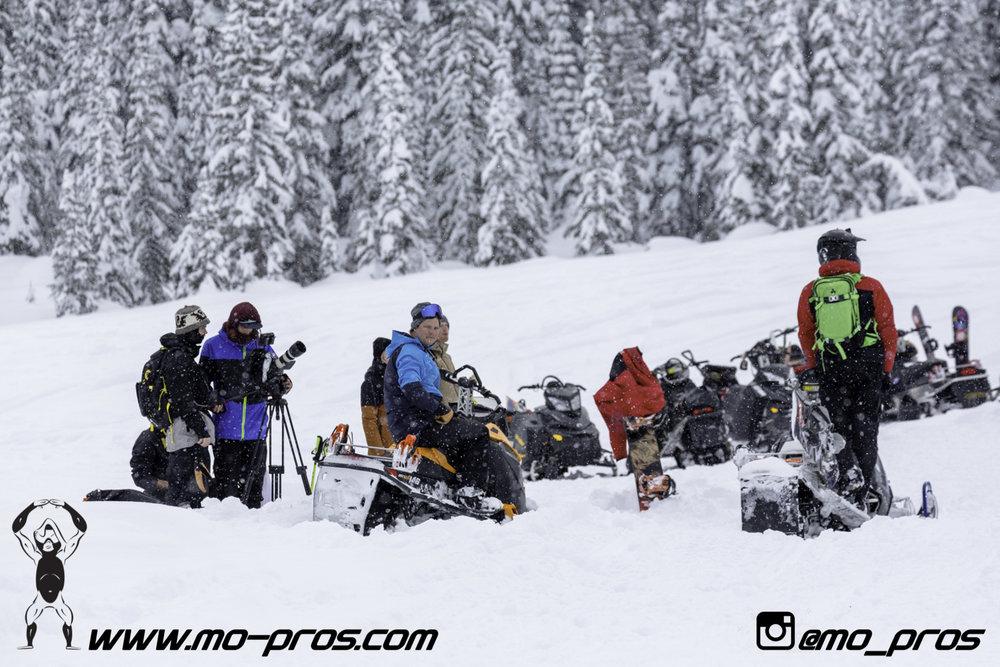 59_Snowbike_Timbersled Rack_Tsaina Rack_CFR rack_Cheetah Factory Racing_Snowboard rack_snowboard_snowmobile bag_Snowmobile_timbersled bag_gas Rack_Gear_Gun Rack_LinQ Snowboard Ski_Ski_Snowboarding_Ti.jpg