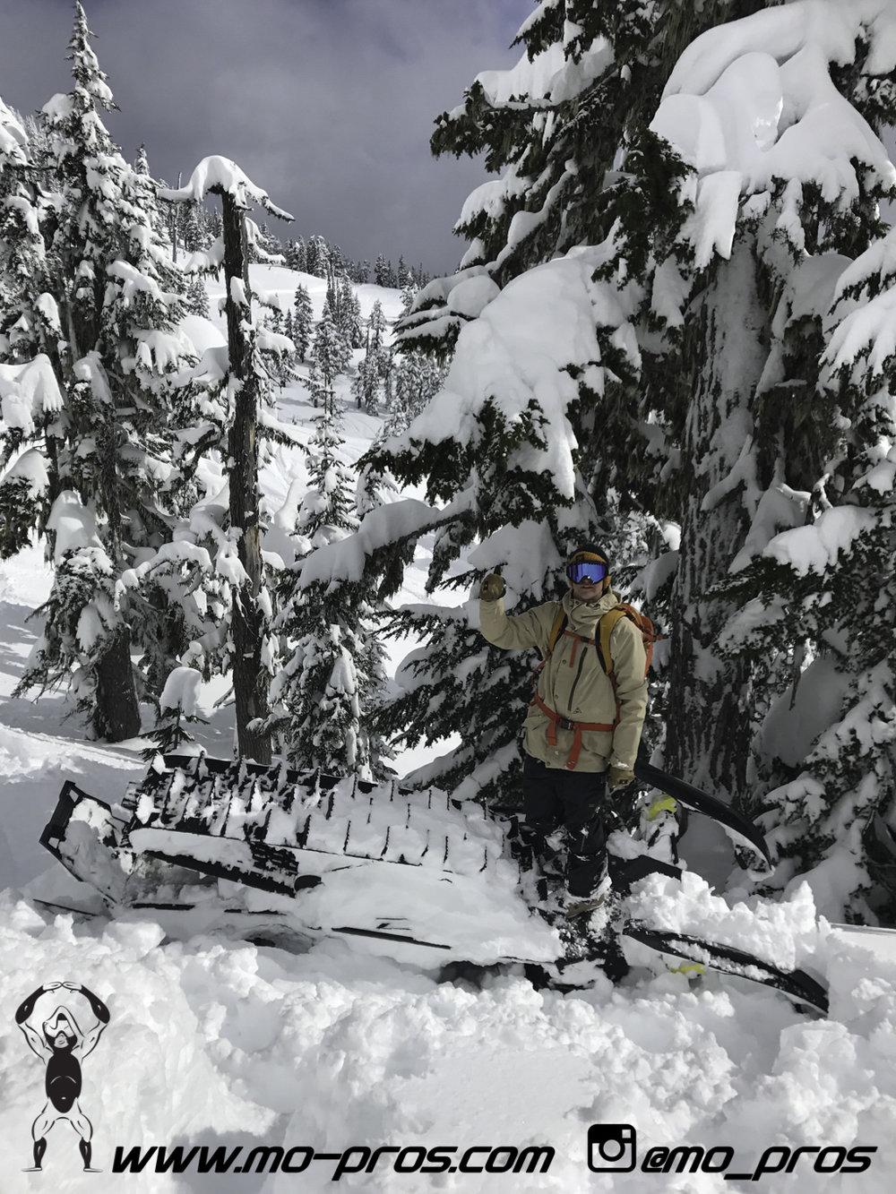 68_CFR rack_Cheetah Factory Racing_Snowboard rack_snowboard_snowmobile bag_Snowmobile_timbersled bag_gas Rack_Gear_Gun Rack_LinQ Snowboard Ski_Ski_Snowbike_Timbersled Rack_Tsaina Rack_Snowboarding_Ti.jpg