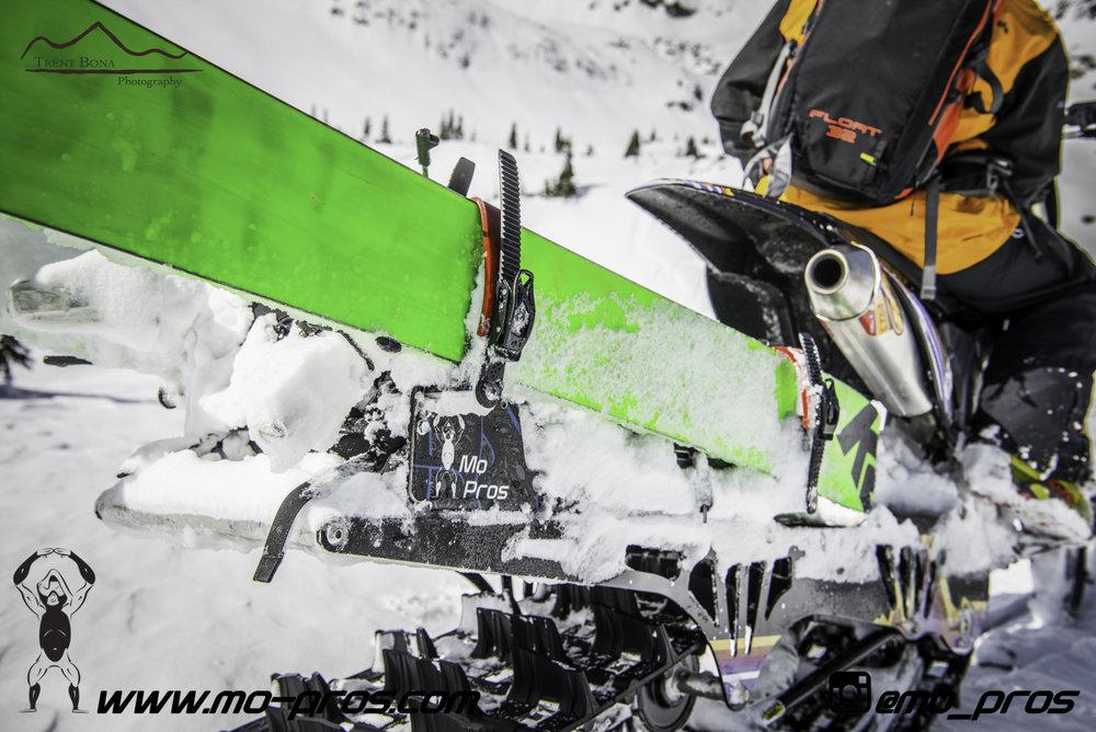 26_gas Rack_Gear_Gun Rack_LinQ Snowboard Ski_Ski_Snowbike_Timbersled Rack_Tsaina Rack_CFR rack_Cheetah Factory Racing_Snowboard rack_snowboard_Snowboarding_snowmobile bag_Snowmobile_timbersled bag_Ti.jpg