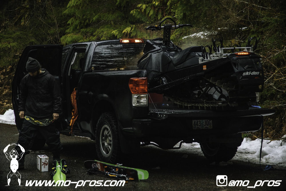 24_Backcountry _Backcountry United_Rack_Ski_Snowbike_Timbersled Rack_Tsaina Rack_CFR rack_Cheetah Factory Racing_gas Rack_Gear_Gun Rack_LinQ Snowboard Ski_Snowboard rack_snowboard_Snowboarding_snowmo.jpg