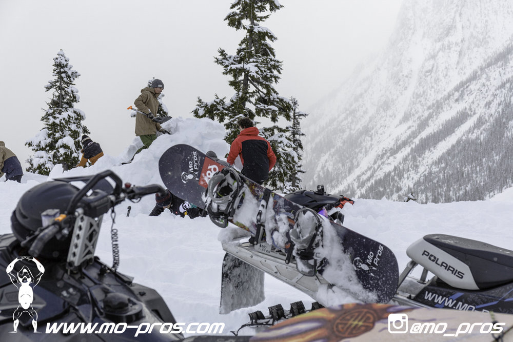 6_gas Rack_Gear_Gun Rack_LinQ Snowboard Ski_Ski_Snowbike_Timbersled Rack_Tsaina Rack_CFR rack_Cheetah Factory Racing_Snowboard rack_snowboard_Snowboarding_snowmobile bag_Snowmobile_timbersled bag_Tim.jpg