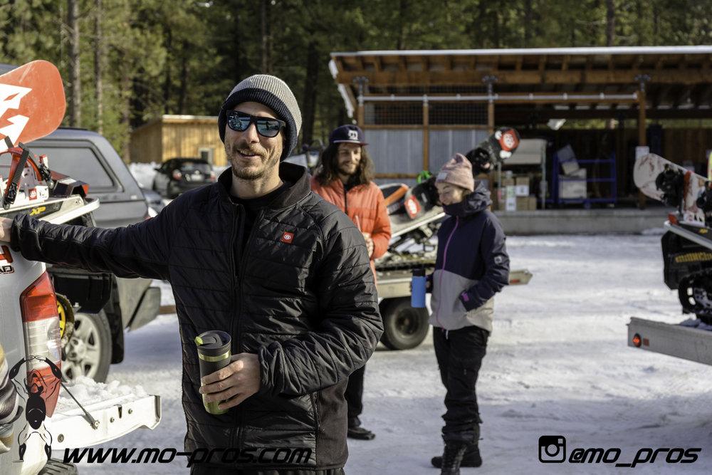 64_Backcountry _Backcountry United_Rack_Ski_Snowbike_Timbersled Rack_Tsaina Rack_CFR rack_Cheetah Factory Racing_gas Rack_Gear_Gun Rack_LinQ Snowboard Ski_Snowboard rack_snowboard_Snowboarding_snowmo.jpg