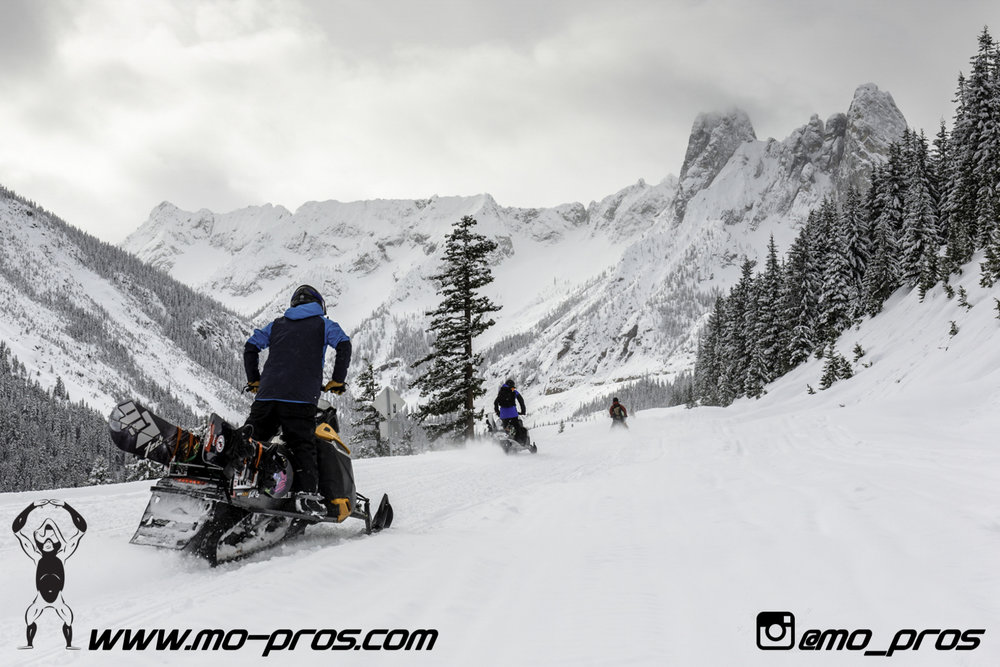 54_Backcountry _Backcountry United_Rack_Ski_Snowbike_Timbersled Rack_Tsaina Rack_CFR rack_Cheetah Factory Racing_gas Rack_Gear_Gun Rack_LinQ Snowboard Ski_Snowboard rack_snowboard_Snowboarding_snowmo.jpg
