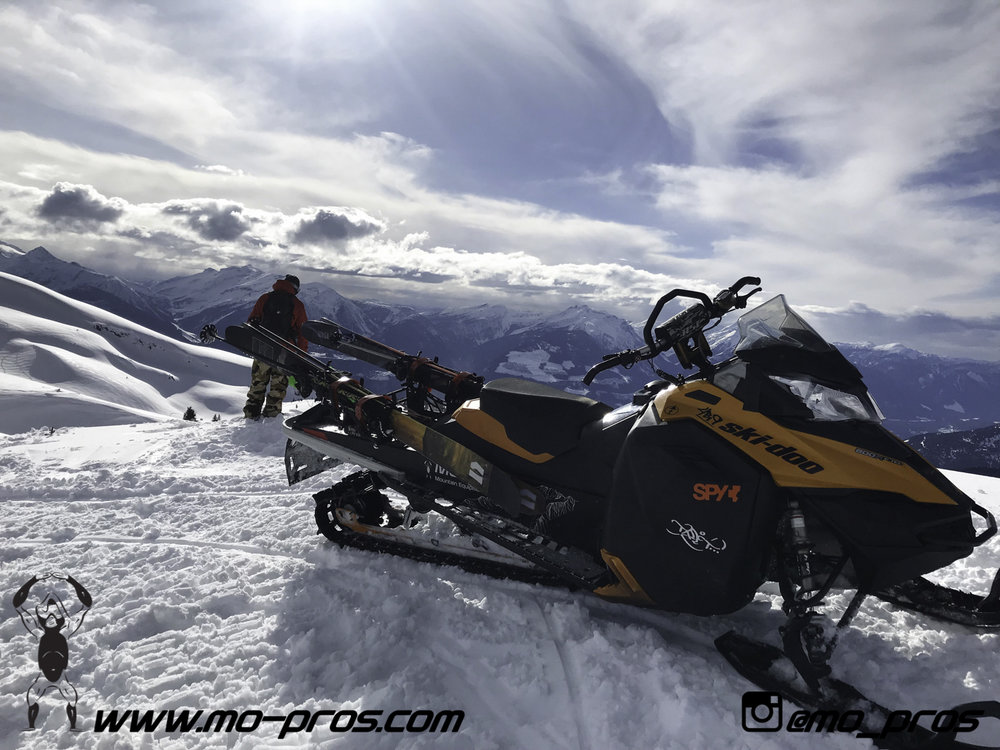107_snowmobile bag_Snowmobile_timbersled bag_gas Rack_Gear_Gun Rack_LinQ Snowboard Ski_Ski_Snowbike_Timbersled Rack_Tsaina Rack_CFR rack_Cheetah Factory Racing_Snowboard rack_snowboard_Snowboarding_T.jpg