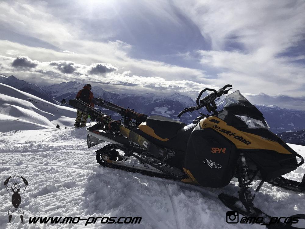107_snowmobile bag_Snowmobile_timbersled bag_gas Rack_Gear_Gun Rack_LinQ Snowboard Ski_Ski_Snowbike_Timbersled Rack_Tsaina Rack_CFR rack_Cheetah Factory Racing_Snowboard rack_snowboard_Snowboarding_T.jpg