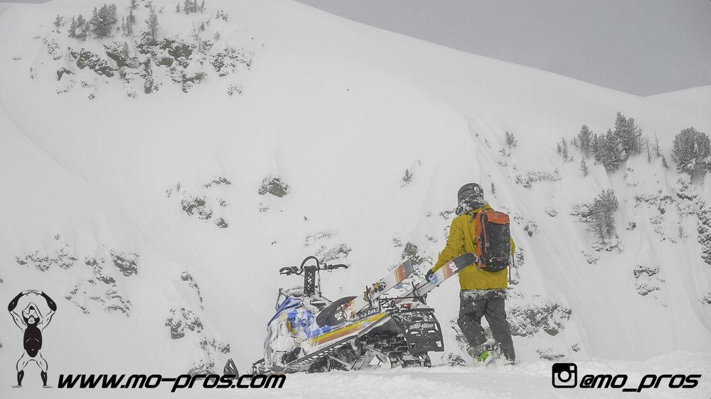 121_Backcountry _Backcountry United_CFR rack_Cheetah Factory Racing_gas Rack_Gear_Gun Rack_LinQ Snowboard Ski_Rack_Ski_Snowbike_snowboard_Snowboard rack_Snowboarding_Snowmobile_snowmobile bag_timbers.jpg