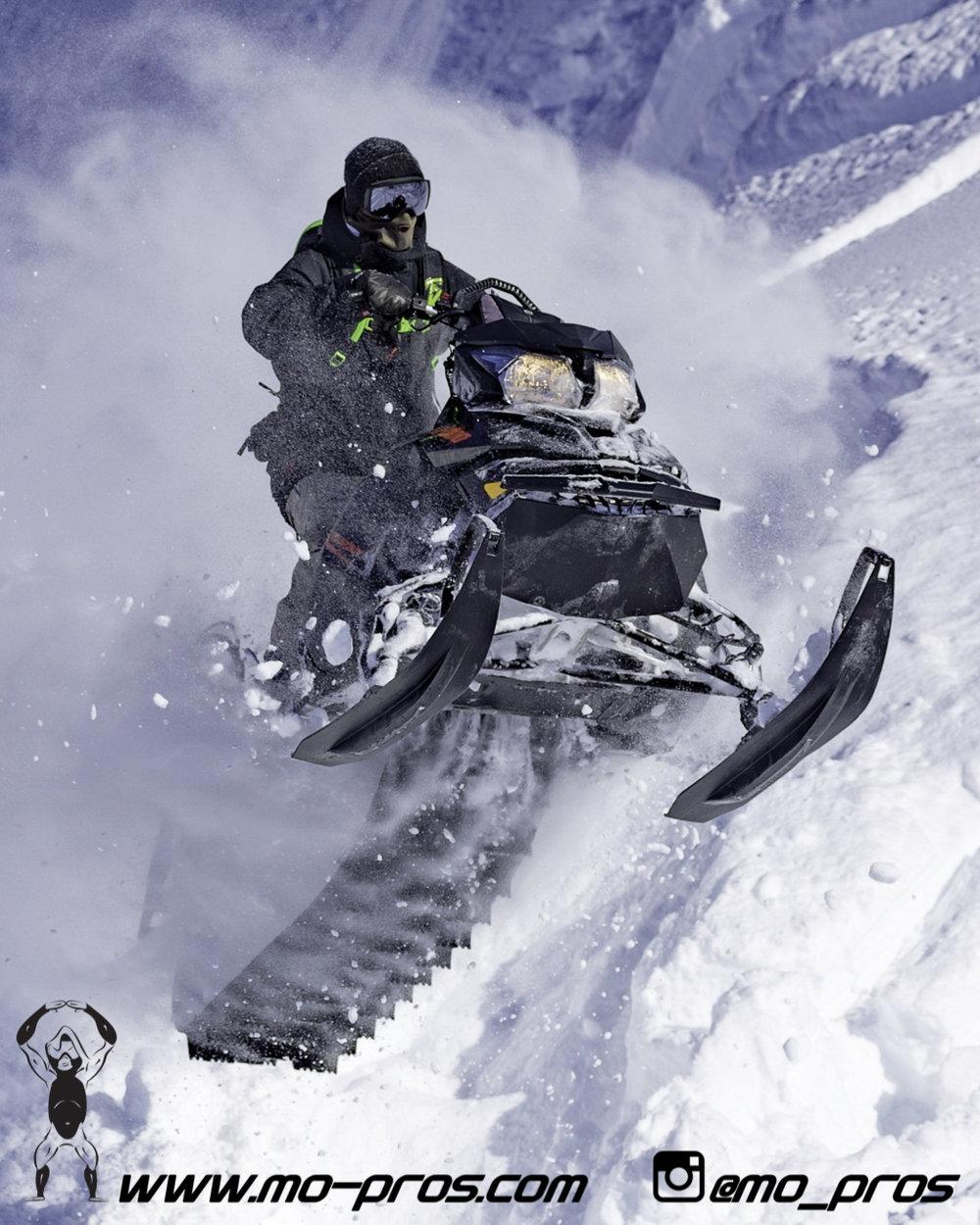 86_gas Rack_Gear_Gun Rack_LinQ Snowboard Ski_Ski_Snowbike_Timbersled Rack_Tsaina Rack_CFR rack_Cheetah Factory Racing_Snowboard rack_snowboard_Snowboarding_snowmobile bag_Snowmobile_timbersled bag_Ti.jpg