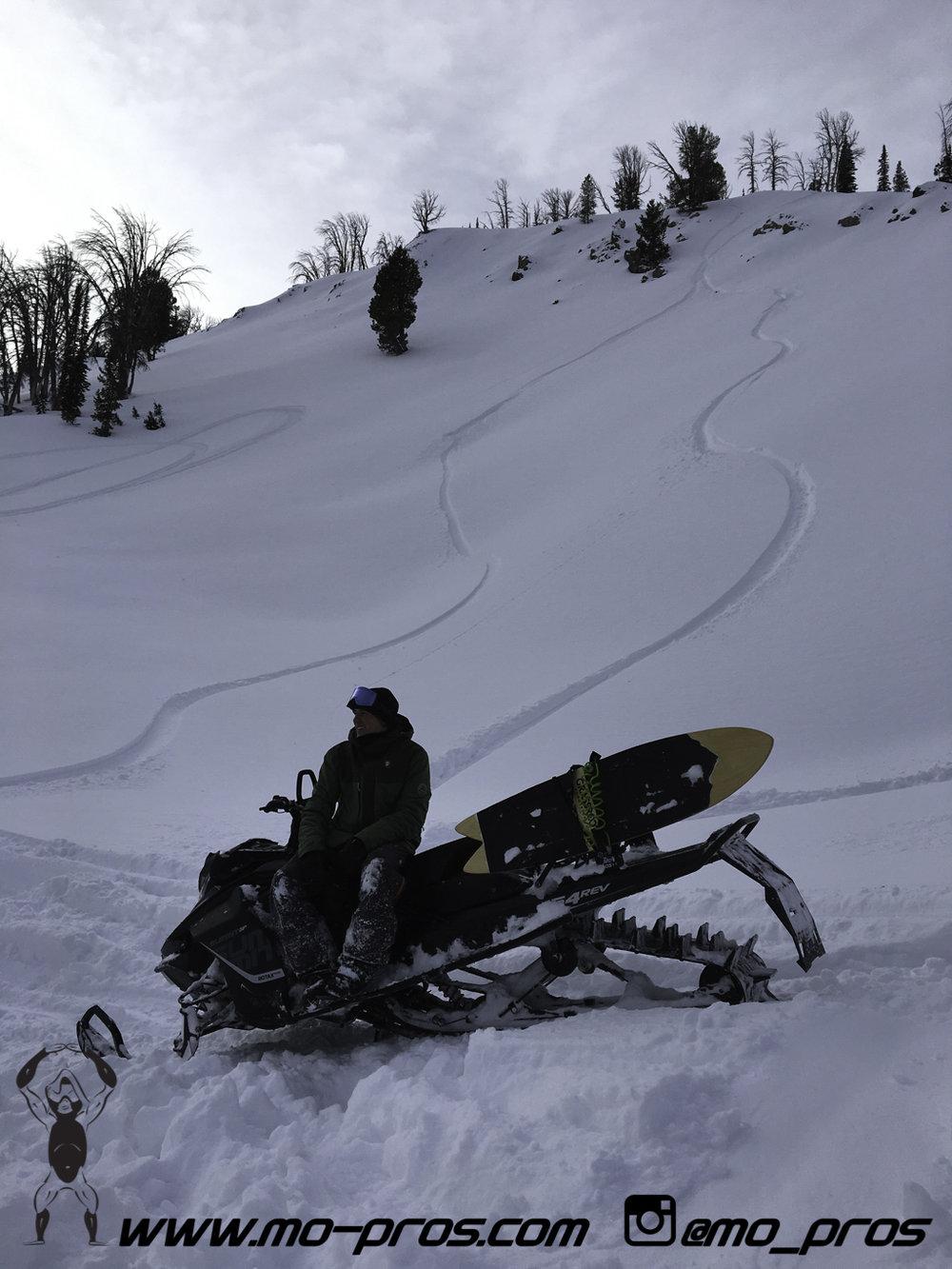 82_Tsaina Rack_Timbersled rack_Timbersled Rack_timbersled bag_snowmobile bag_Snowmobile_Snowboarding_Snowboard rack_snowboard_Snowbike_Ski_Rack_LinQ Snowboard Ski_Gun Rack_Gear_gas Rack_Cheetah Facto.jpg