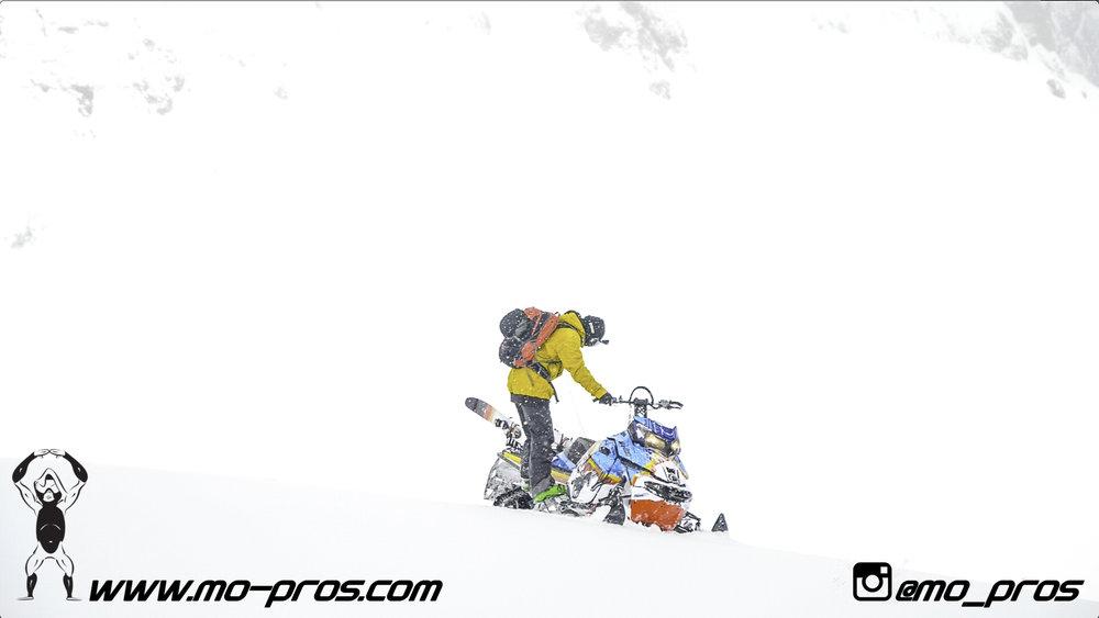 115_Ski_Snowbike_Timbersled Rack_Tsaina Rack_CFR rack_Cheetah Factory Racing_gas Rack_Gear_Gun Rack_LinQ Snowboard Ski_Snowboard rack_snowboard_Snowboarding_snowmobile bag_Snowmobile_timbersled bag_T.jpg