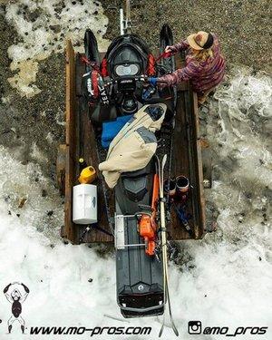 39_Snowbike_Timbersled+Rack_Tsaina+Rack_CFR+rack_Cheetah+Factory+Racing_Snowboard+rack_snowboard_snowmobile+bag_Snowmobile_timbersled+bag_gas+Rack_Gear_Gun+Rack_LinQ+Snowboard_Ski_Ski_Snowboardi.jpeg