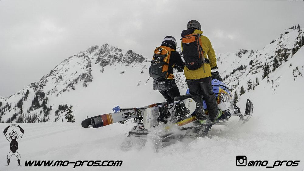125_Ski_Snowbike_Timbersled Rack_Tsaina Rack_CFR rack_Cheetah Factory Racing_gas Rack_Gear_Gun Rack_LinQ Snowboard Ski_Snowboard rack_snowboard_Snowboarding_snowmobile bag_Snowmobile_timbersled bag_T.jpg