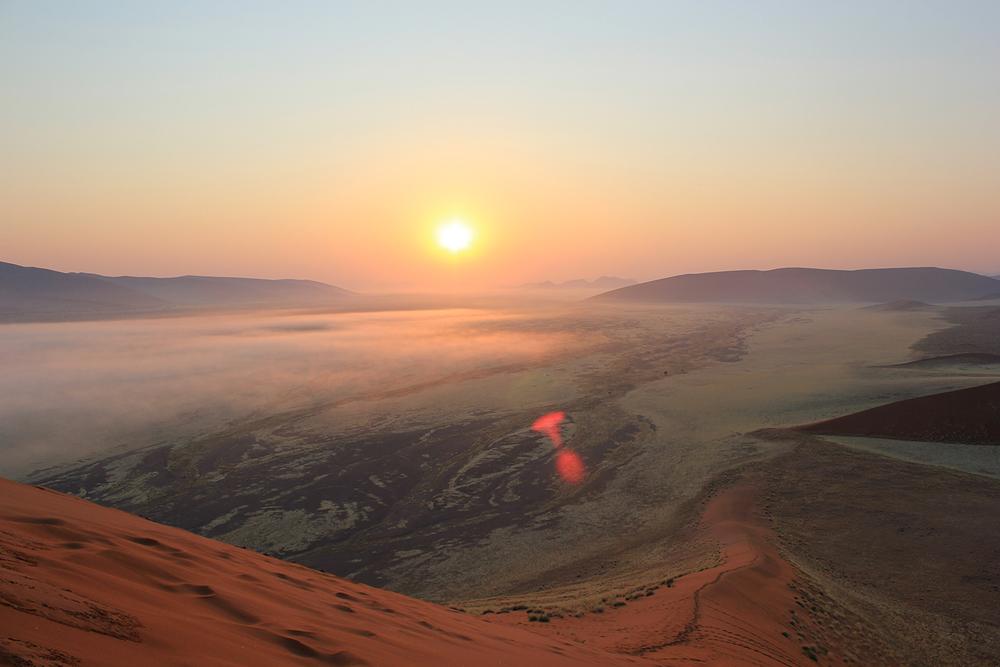 Africa_Dune45_Sunrise_Namibia.jpg