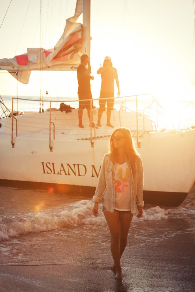 Sailing In Waikiki