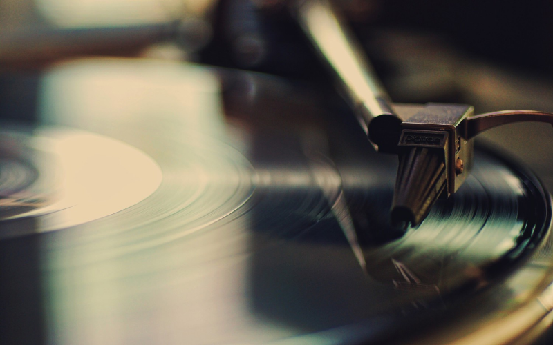 Old-School-Vinyl-HD-Wallpaper.jpg