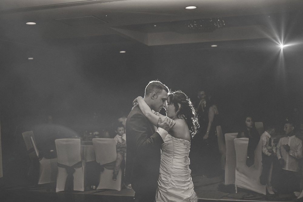 First-dance-wedding-photography-doubletree-nottingham