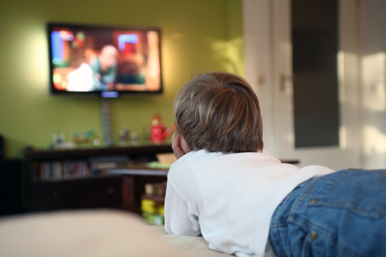television in the lives of children essay This short essay on television contains introduction, brief history of television in india, its uses, and a conclusion television is one of the most important.