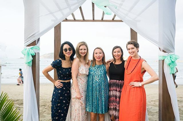 #latergram celebrating @itskurthomie and @vanesa.a.nunez in Mexico!! 🇲🇽 been missing my homegirls this week - Check out my latest blog about making friends in a new city. Link in profile.