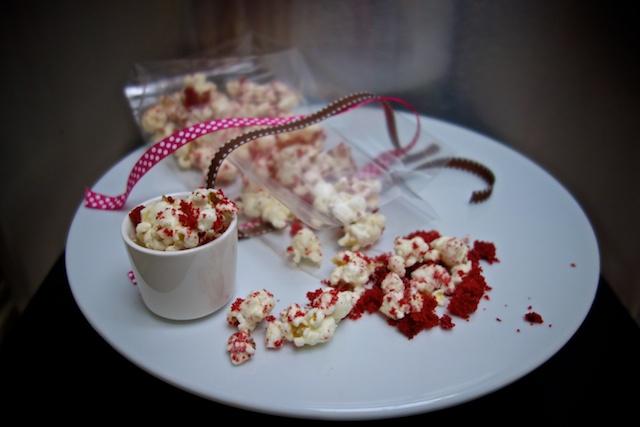 red-velvet-popcorn