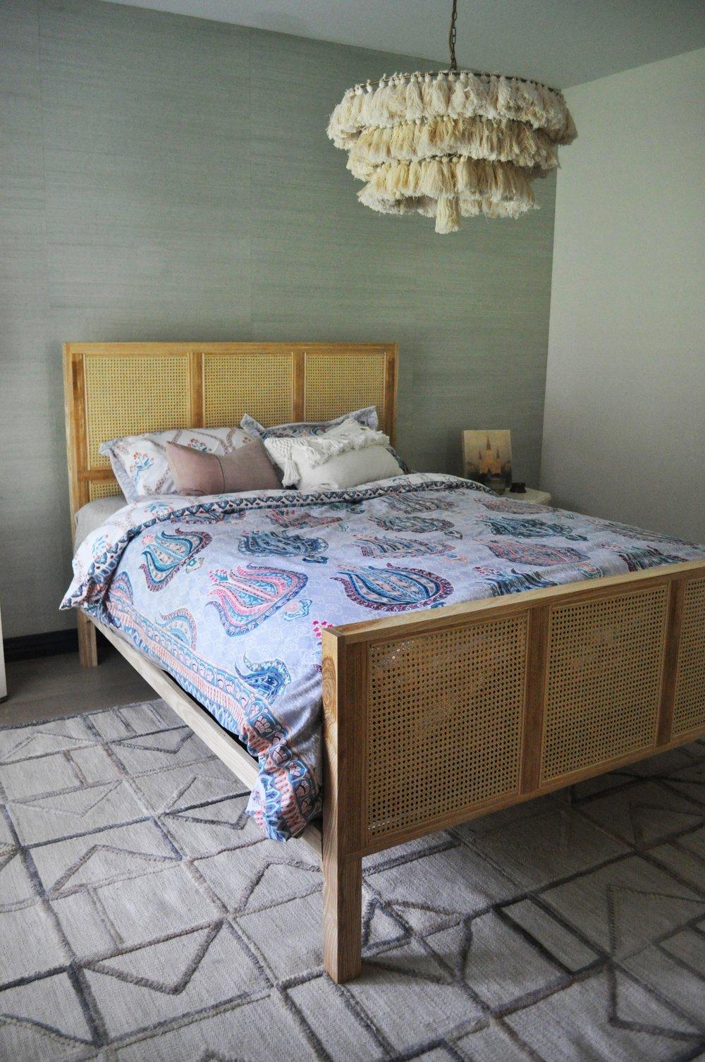 Wicker Bed -