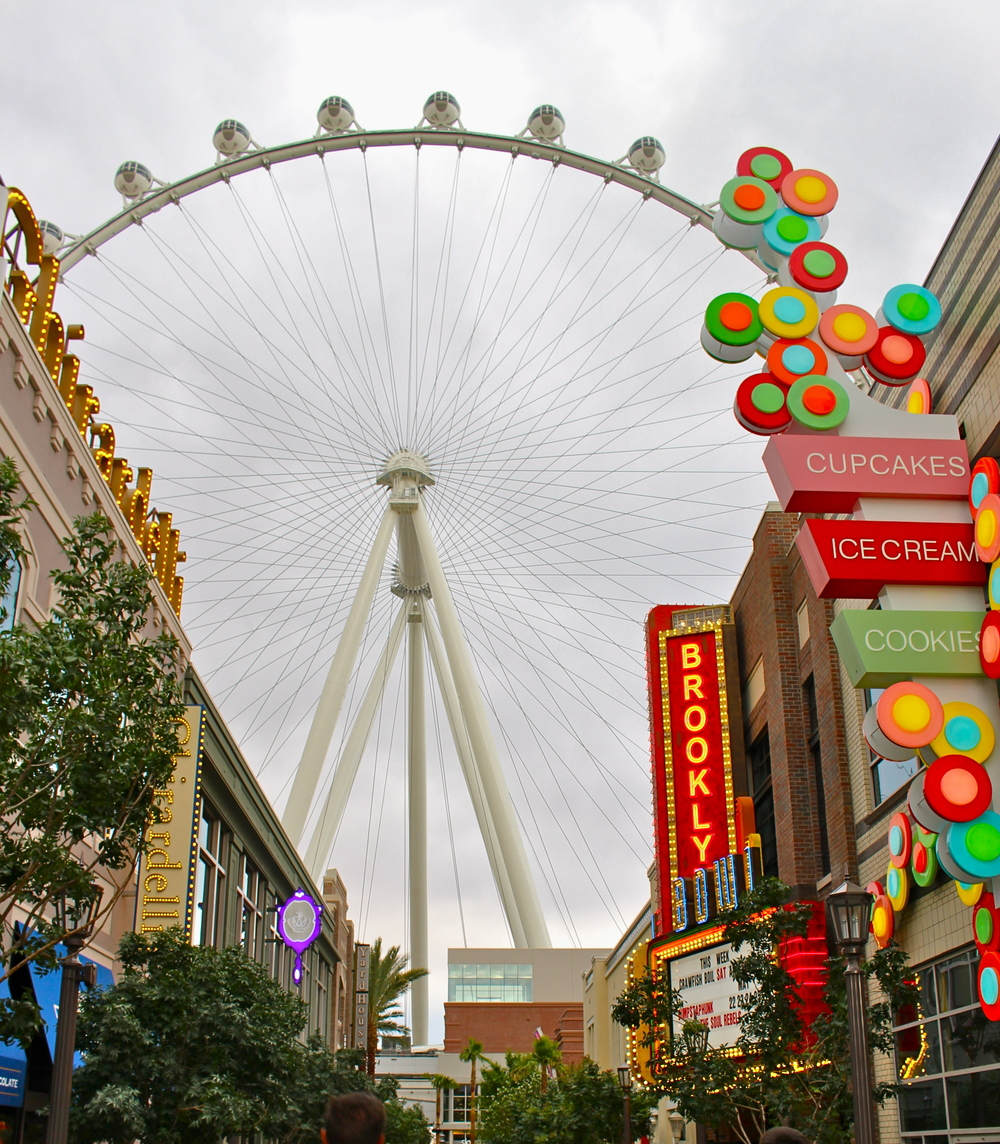 Las Vegas's new High Roller and Linq shopping area