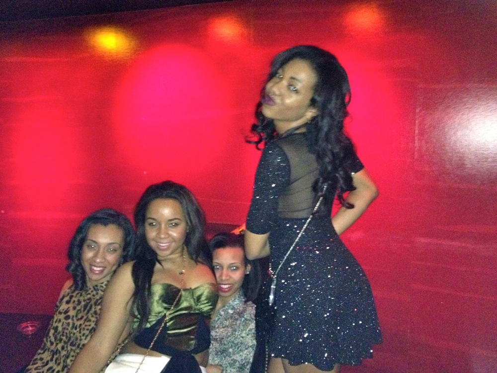 So happy, reuniting with my girls from high school! | LAX @ Luxor (the Pyramid)