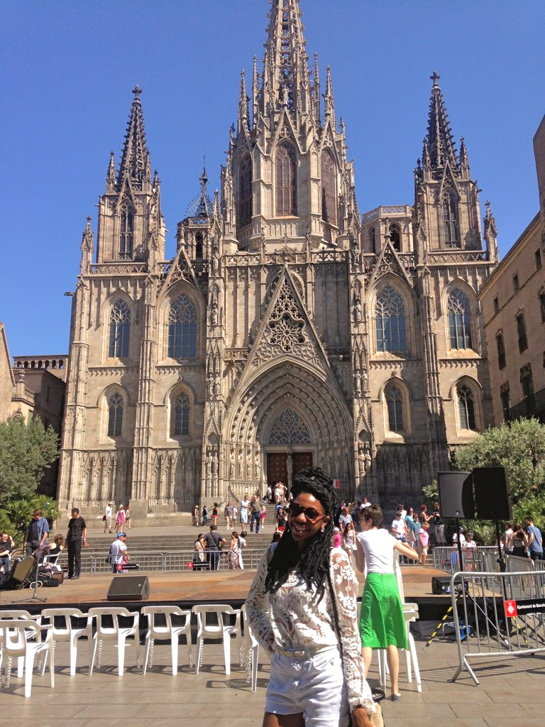 barcelona black traveler