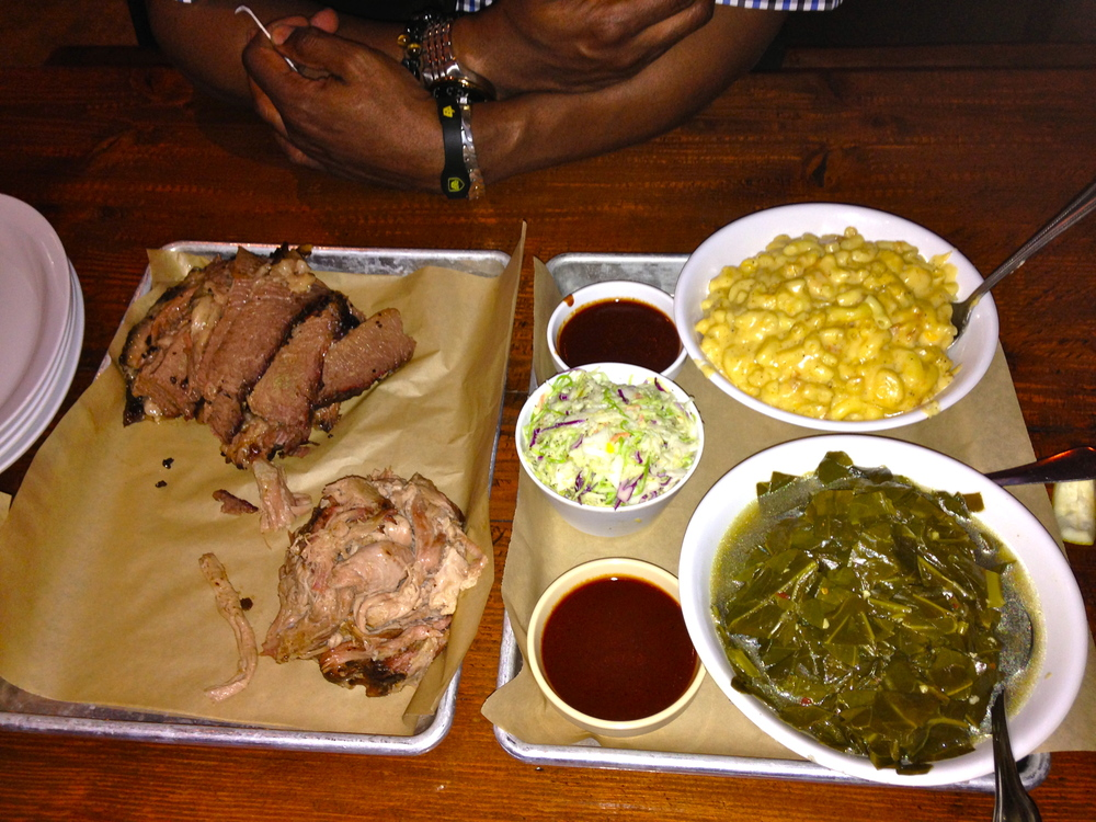 Beef brisket + pulled pork + mac&cheese + collard greens + cole slaw