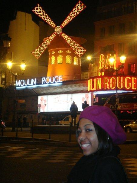 moulin_rouge_black_traveler_paris_france