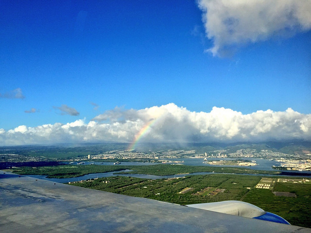 flying_into_honolulu_airport
