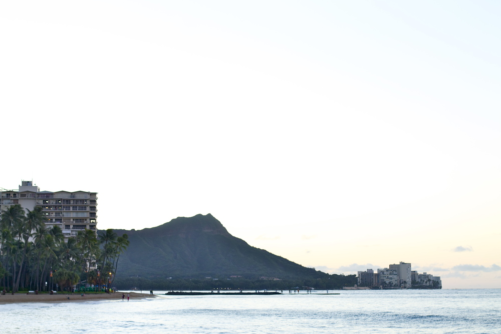 waikiki_beach_black_travel_blog