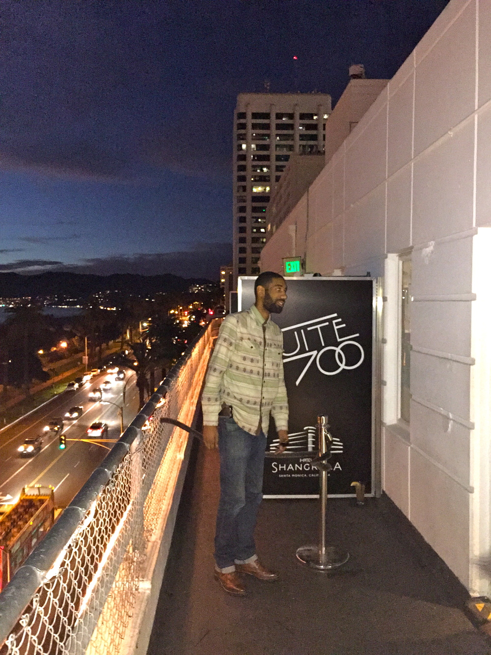 suite 700 rooftop restaurant