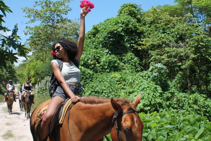 Horseback riding in Ocho Rios - the bootleg experience