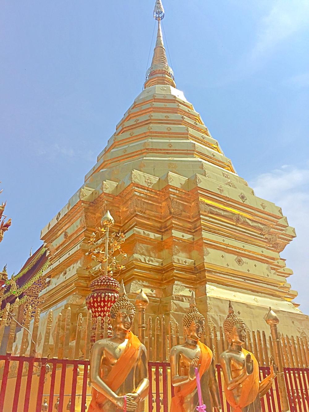 wat-doi-suthep-chiang-mai-golden-buddhas
