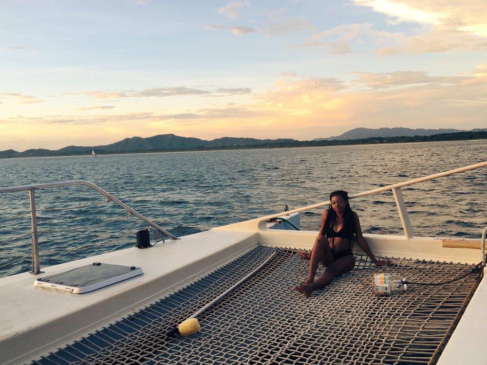 black-travel-blog-tamarindo-tour-sailing