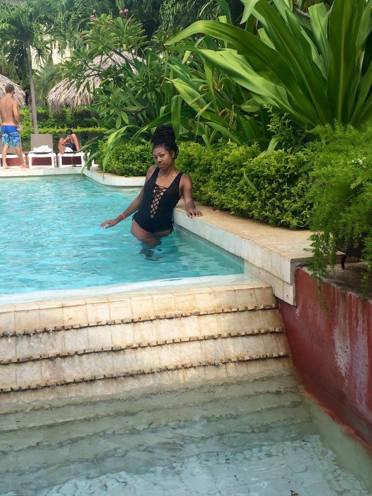 black-travel-blog-diria-resort-adult pool