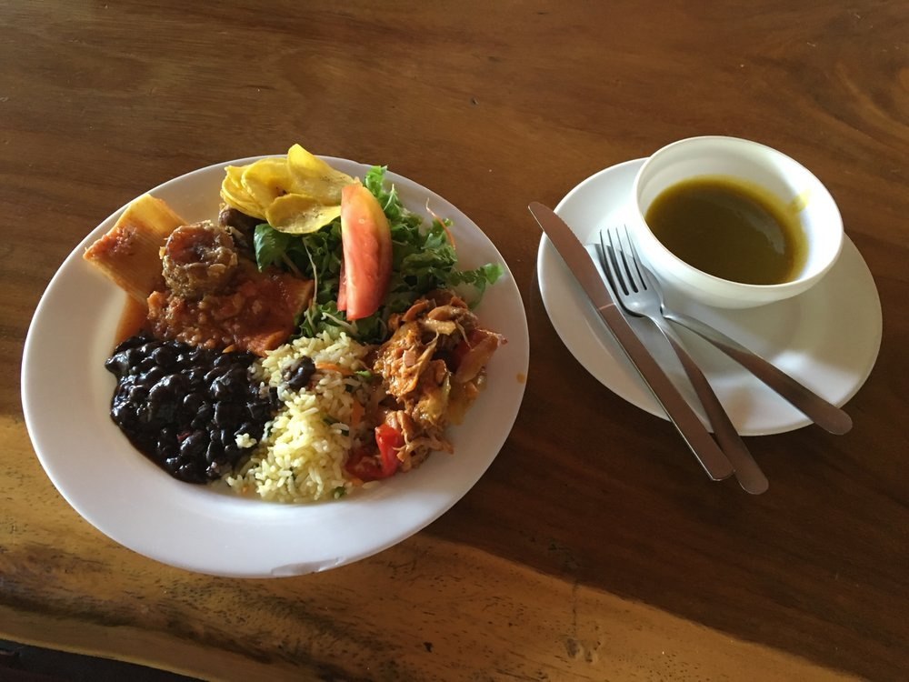 Cañon de la Vieja Lodge buffet lunch