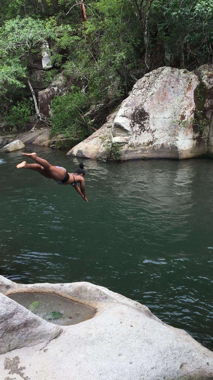 black-girls-travel-cliff-jump-costa-rica