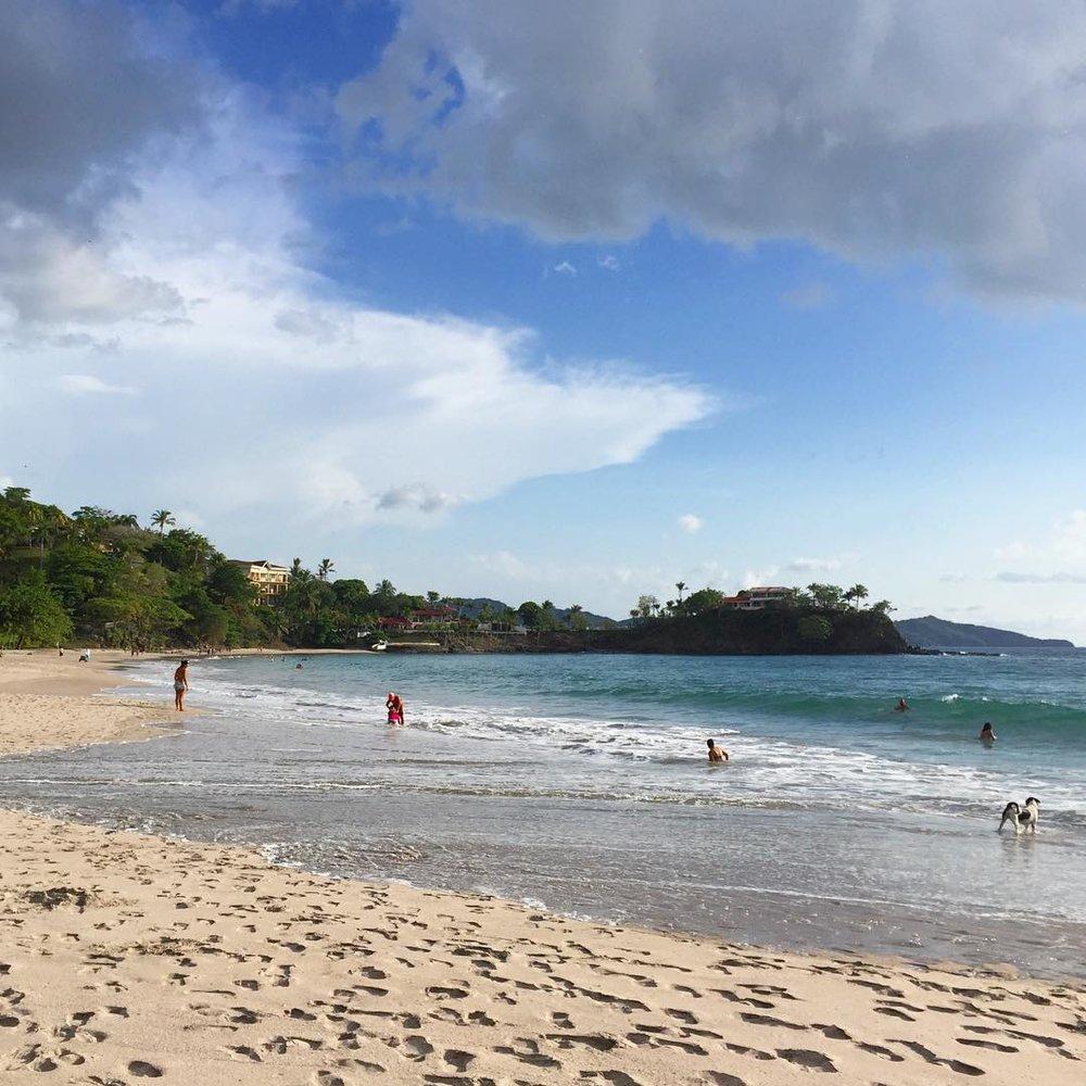 playa-flamingo-beach-tamarindo-bar-crawl-costa-rica