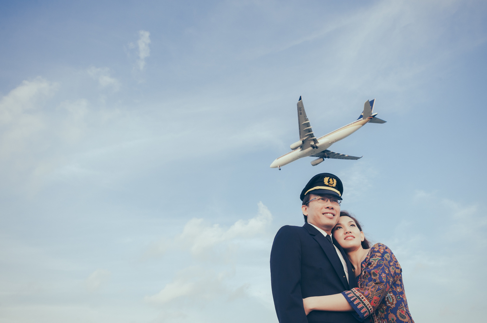 prewedding-photoshoot-changi-aeroplane-singapore-1.jpg