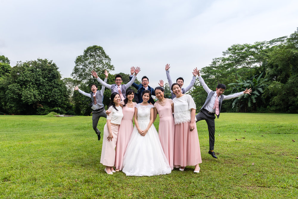 ad-wedding-photoshoot-white-rabbit-funny-bridal-party