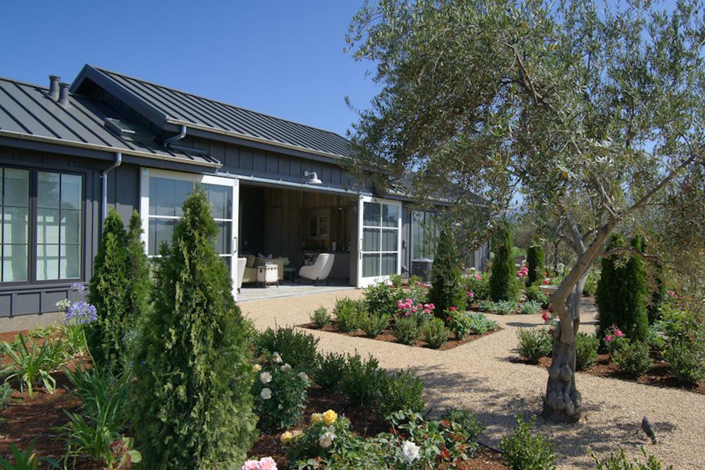 06 Hoffman Guest House Garden.jpg