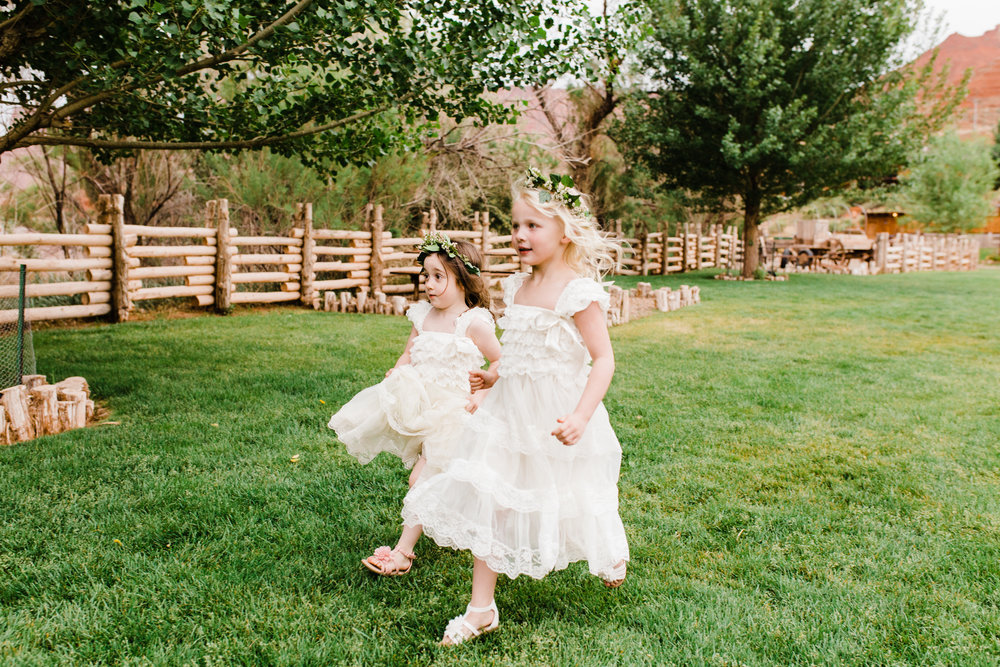 moab utah outdoor wedding red cliffs